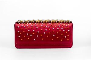 Amato Daniele pochette in raso rosso - dettagli preziosi e borchie