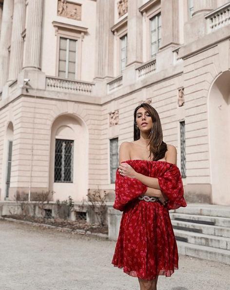 Valeria Conte splendida con abito Tara Jarmon