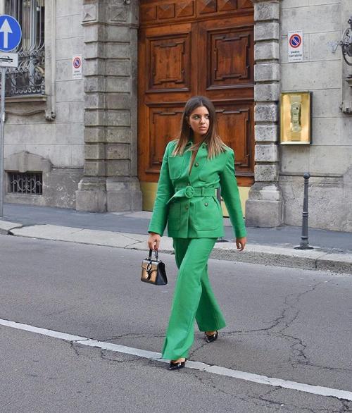 Total look verde per Gaia Giraudi targato Tara Jarmon