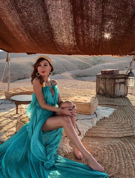 Alessandra Costa indossa abito Mangano